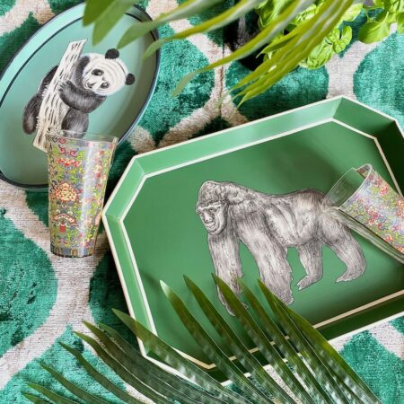 Handbemalte Tabletts aus Eisen, dekorative Serviertabletts mit Panda und Gorilla, Göße 43x30cm von der Design-Marke Les Ottomans