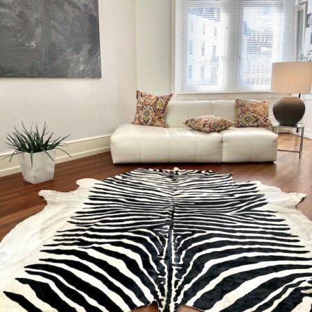 Kuhfell Teppich ZEBRA naturel, Fell Teppich mit Zebra-Muster ca. 5 m²