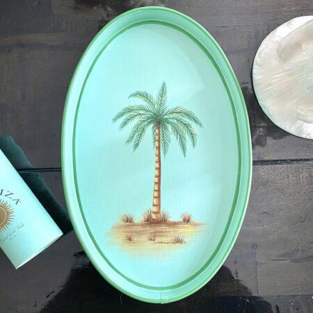 ovales Tablett PALME, handbemaltes Eisentablett in mint-grün von Les Ottomans