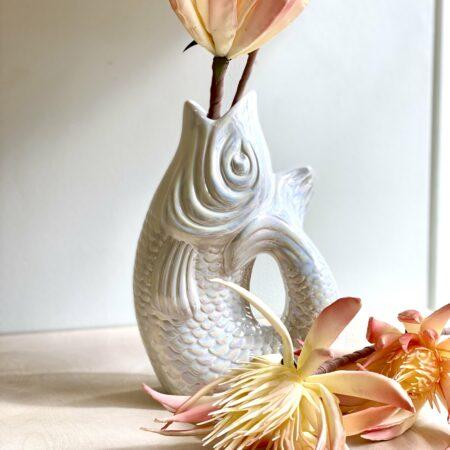 Vase Monsieur Carafon in pearl, edle Vase im Form von einem Fisch in pearl-weiss von GiftCompany
