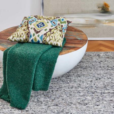Plaid COMO grün, luxuriöse Decke aus Wolle und Alpaka von der Marke Carma