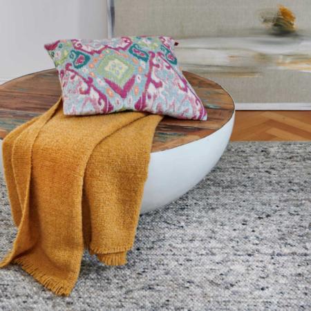 Plaid COMO curry, luxuriöse Decke aus Wolle und Alpaka von der Marke Carma