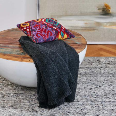 Plaid COMO anthrazit, luxuriöse Decke aus Wolle und Alpaka von der Marke Carma